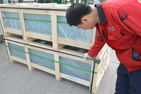 PLYWOOD CRATE PACKING