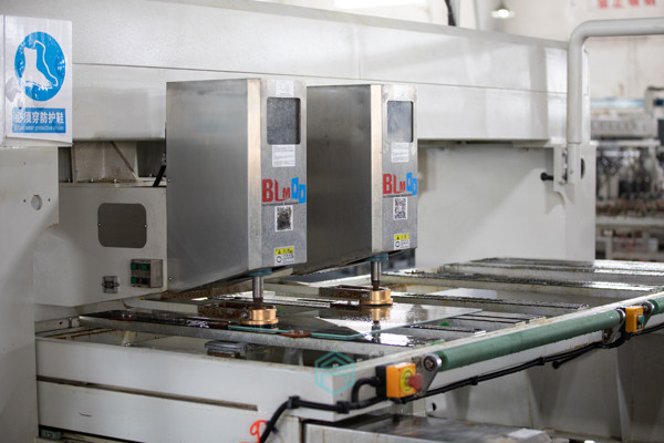 CNC HOLES DRILLING MACHINE