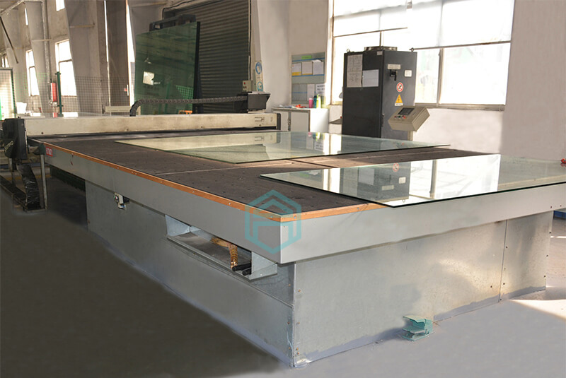 glass-table-tops-processing-cutting-1